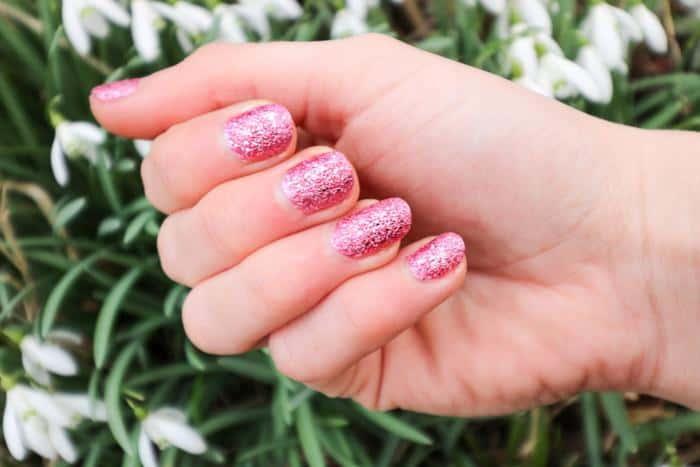avon-mark-rose-quartz-manicure