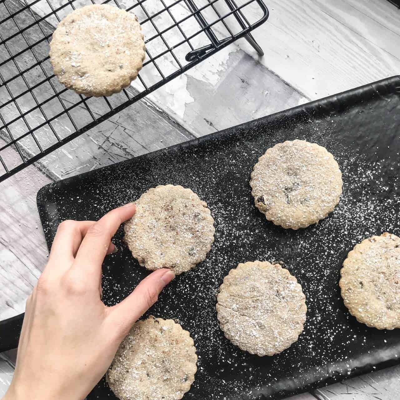 vegan-easter-biscuits
