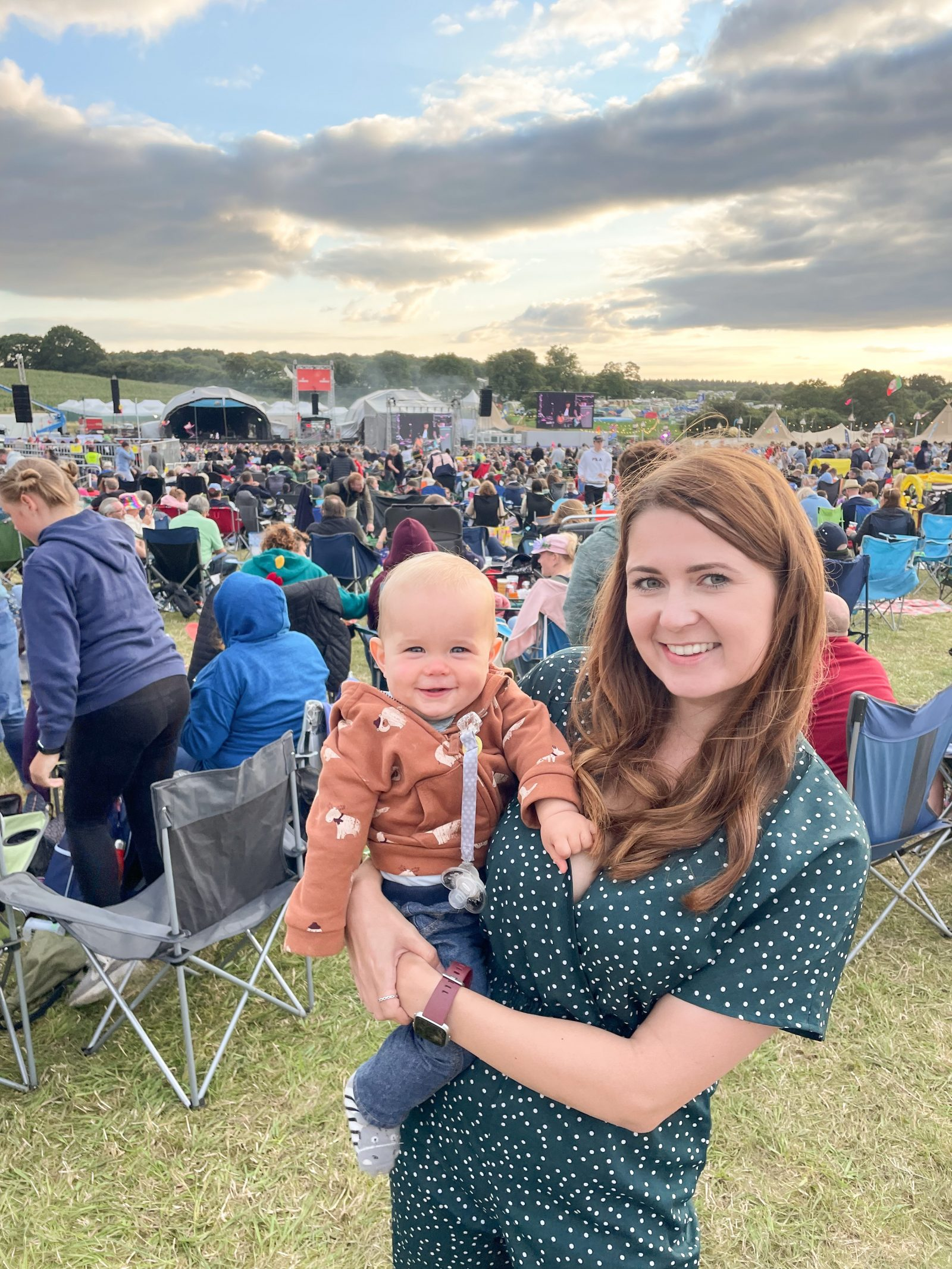 Ami Rose and Arthur watching McFly at Carfest South